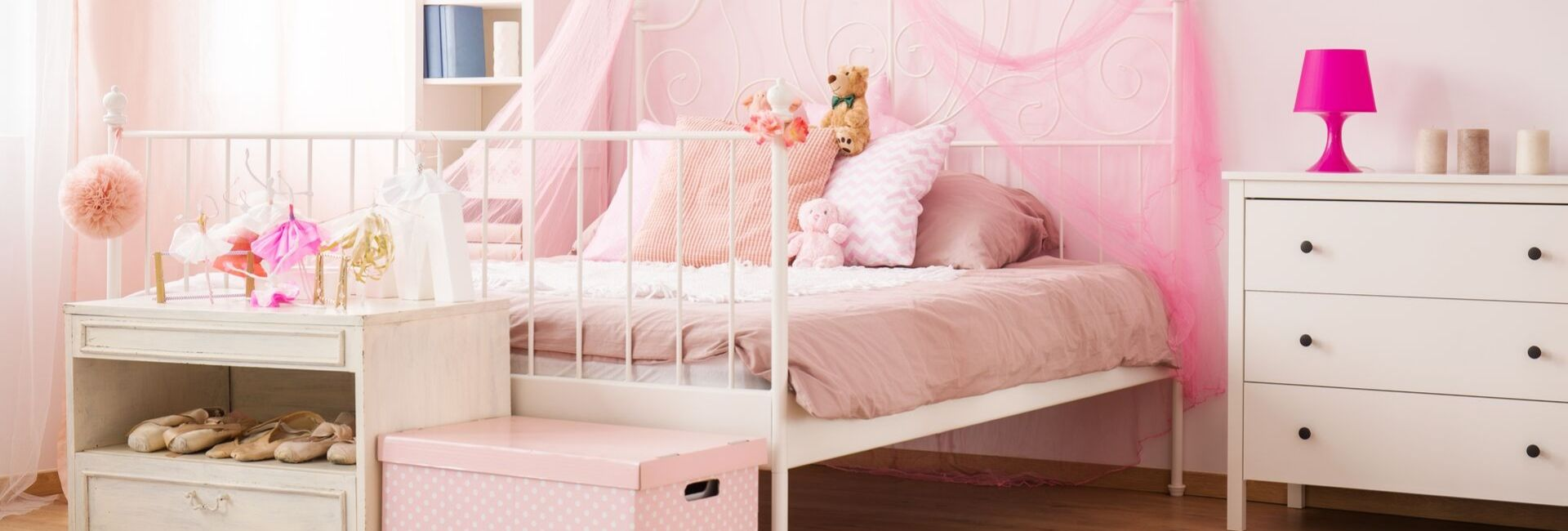 deco chambre fille rose.jpg